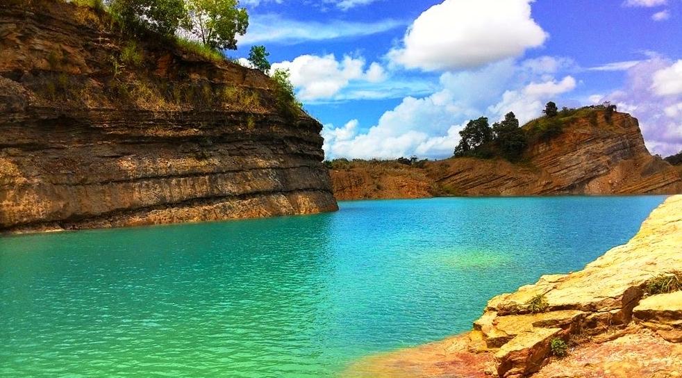 5 Tempat Wisata di Kalimantan Selatan yang Mempesona